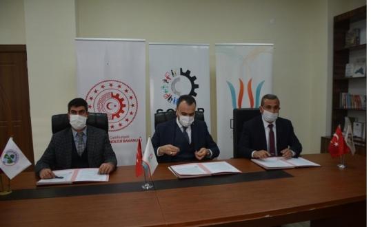 """Bitlis'in """"Günkırı ve Kavakbaşı Beldelerinde Çömlekçilik ve Tandırcılığın Geliştirilmesi"""" projesi hayata geçiriliyor"""